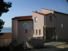 House with holiday apartments near Omis