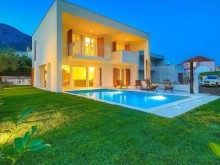 New villas in Kastela