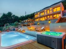Luxury villa in Kastela