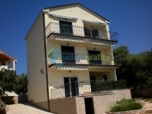House with holiday apartments on the island of Pag