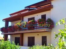 House with holiday apartments in Banjole near Pula