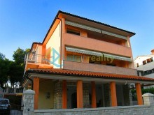 Family house in Pula