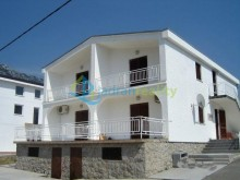 Holiday apartments in Karlobag